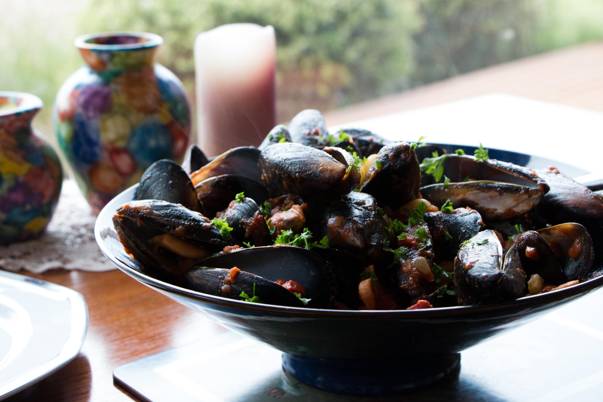 Tomato and chorizo mussels